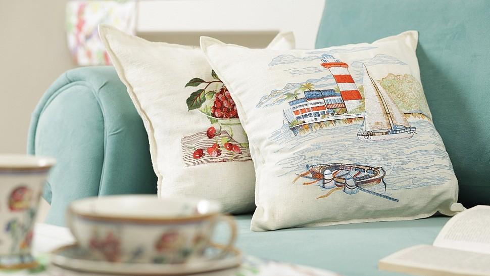 Диванные подушки с картинками